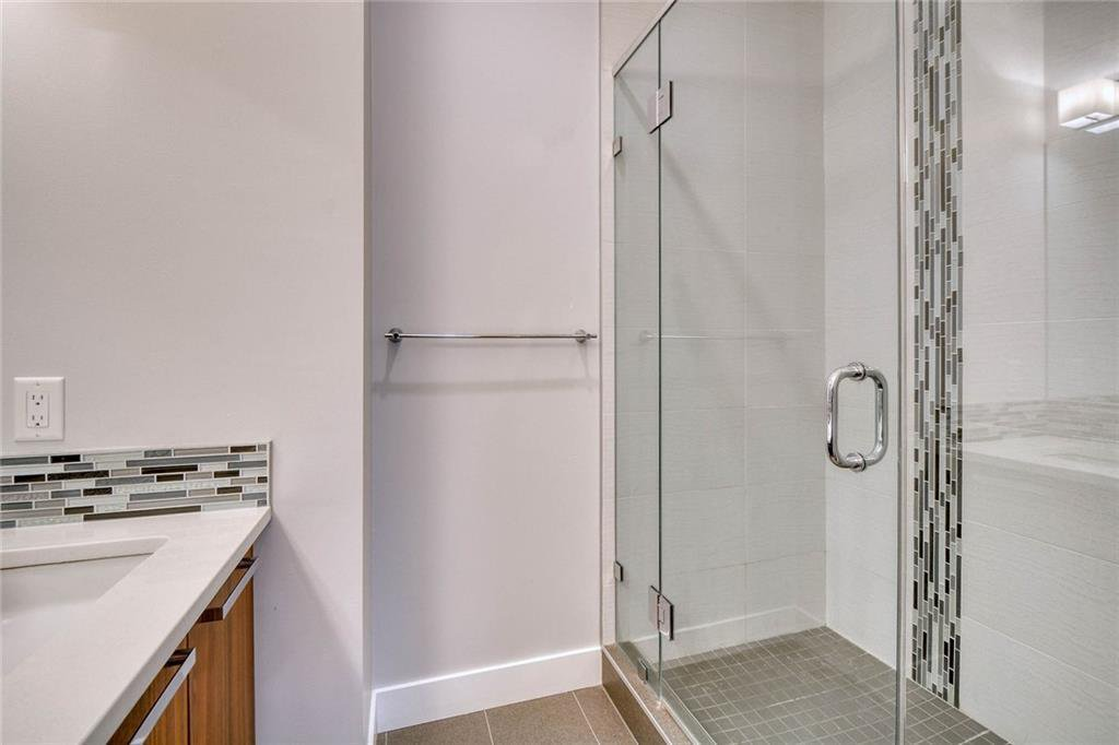 Photo 32: Photos: 911 42 Street SW in Calgary: Rosscarrock Semi Detached for sale : MLS®# C4305671
