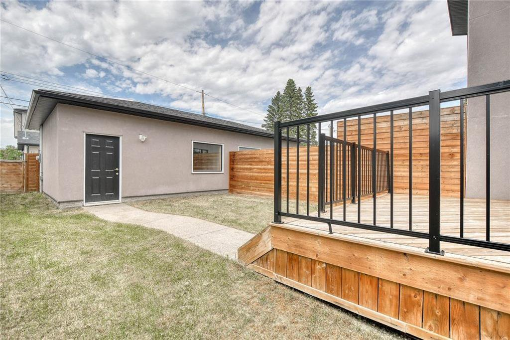 Photo 46: Photos: 911 42 Street SW in Calgary: Rosscarrock Semi Detached for sale : MLS®# C4305671