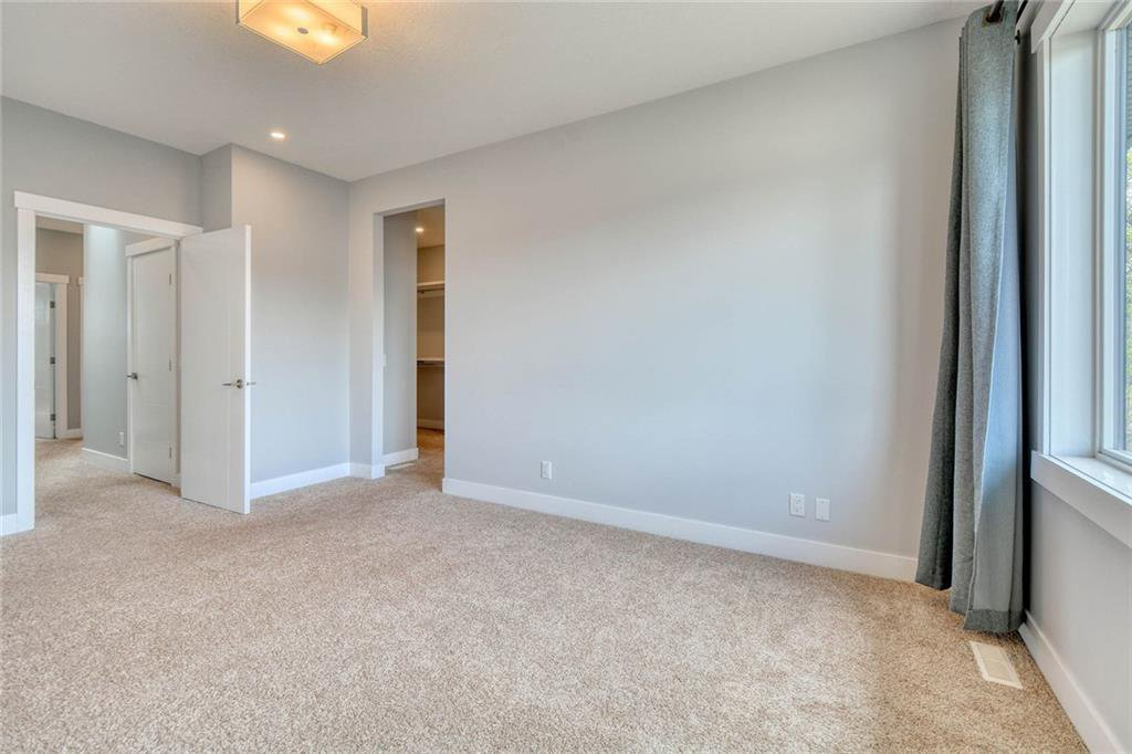 Photo 22: Photos: 911 42 Street SW in Calgary: Rosscarrock Semi Detached for sale : MLS®# C4305671