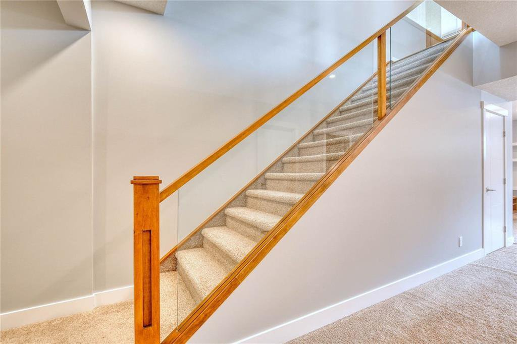 Photo 45: Photos: 911 42 Street SW in Calgary: Rosscarrock Semi Detached for sale : MLS®# C4305671