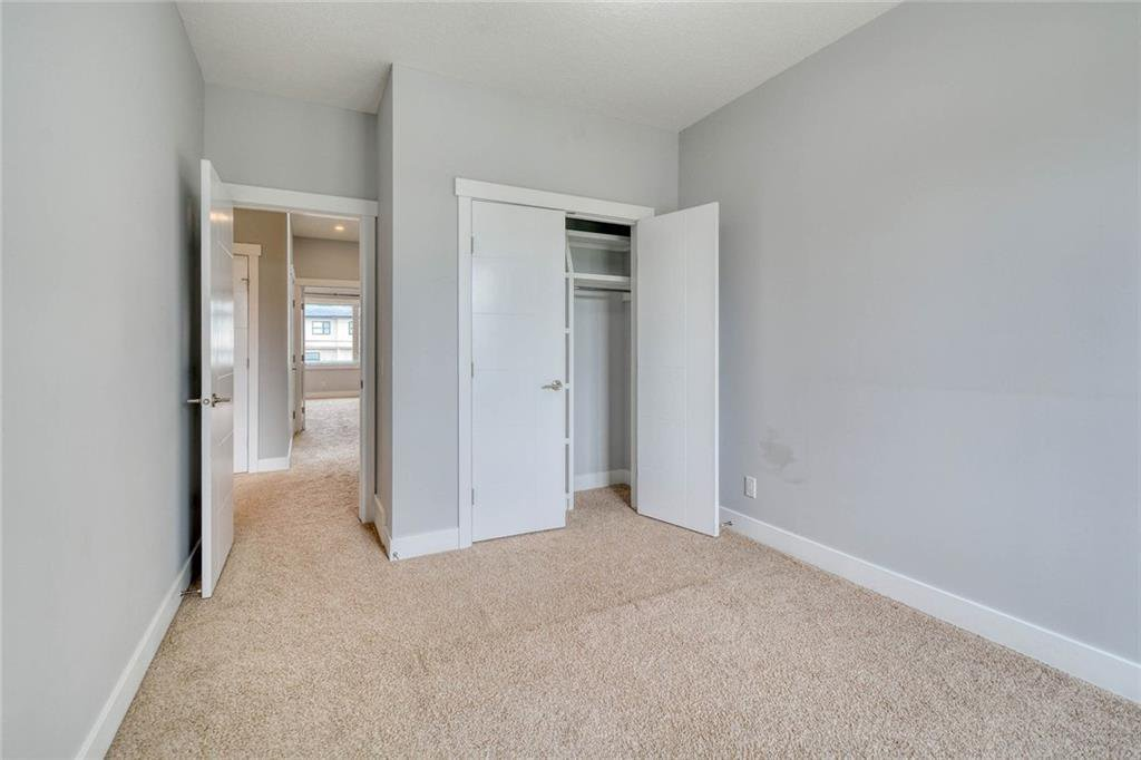 Photo 29: Photos: 911 42 Street SW in Calgary: Rosscarrock Semi Detached for sale : MLS®# C4305671