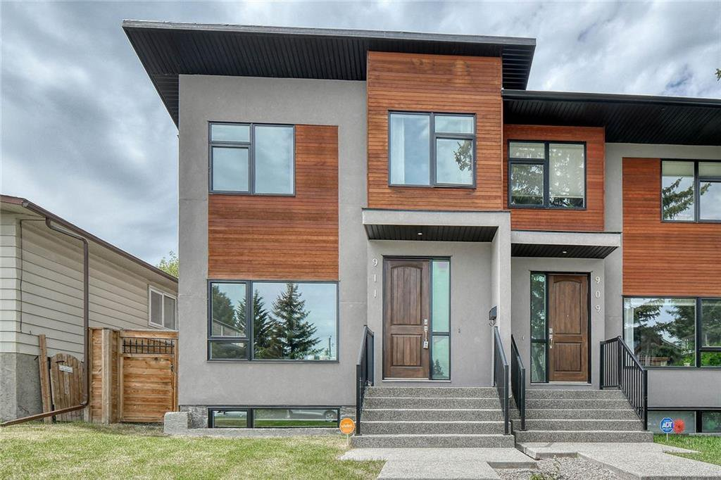 Photo 1: Photos: 911 42 Street SW in Calgary: Rosscarrock Semi Detached for sale : MLS®# C4305671