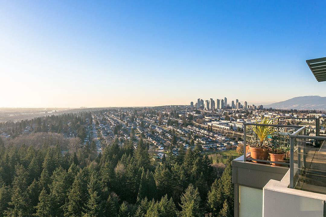 Main Photo: 2902 6837 STATION HILL DRIVE in Burnaby: South Slope Condo for sale (Burnaby South)  : MLS®# R2389740