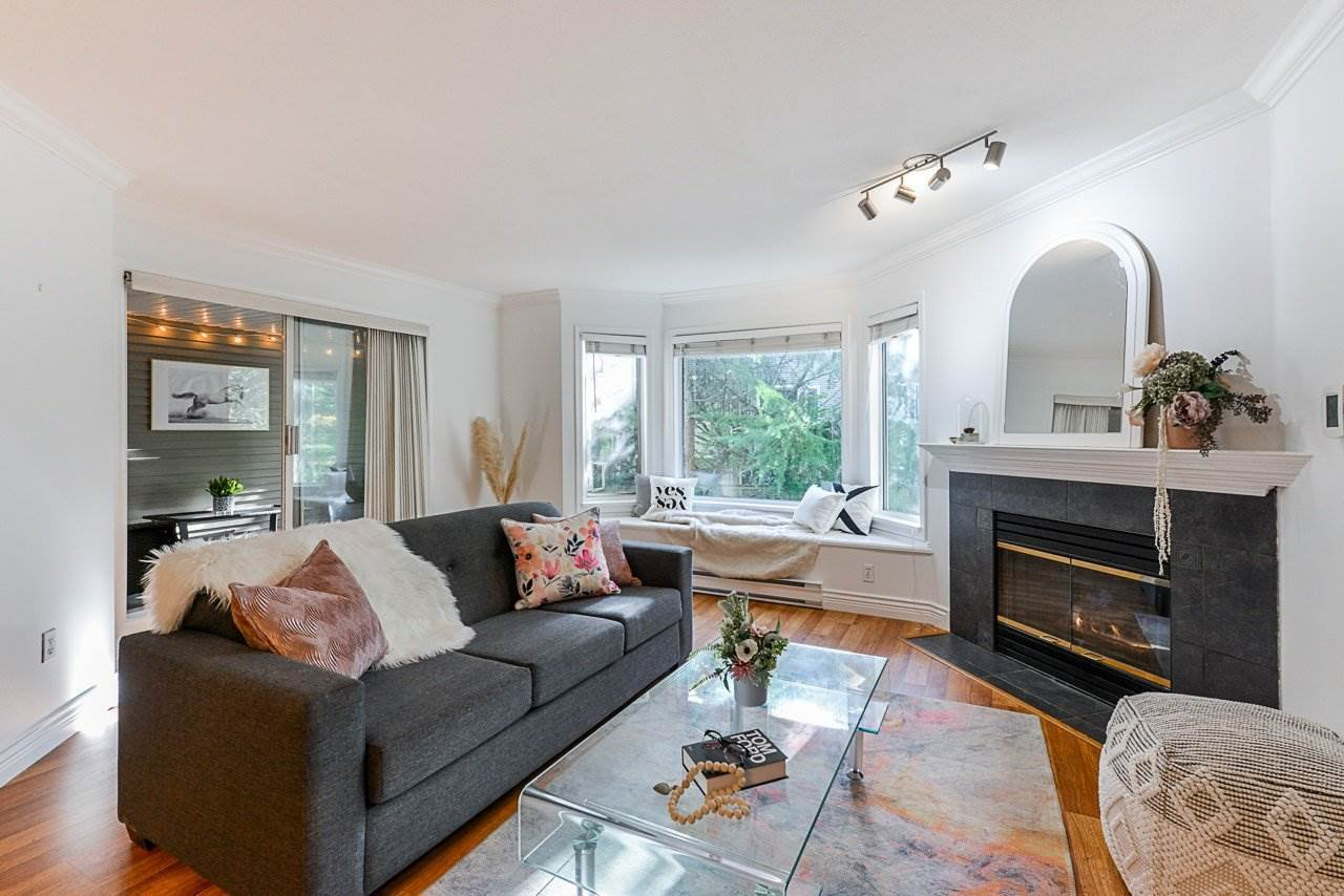 """Main Photo: 302 3733 NORFOLK Street in Burnaby: Central BN Condo for sale in """"Wincheslsea"""" (Burnaby North)  : MLS®# R2519457"""