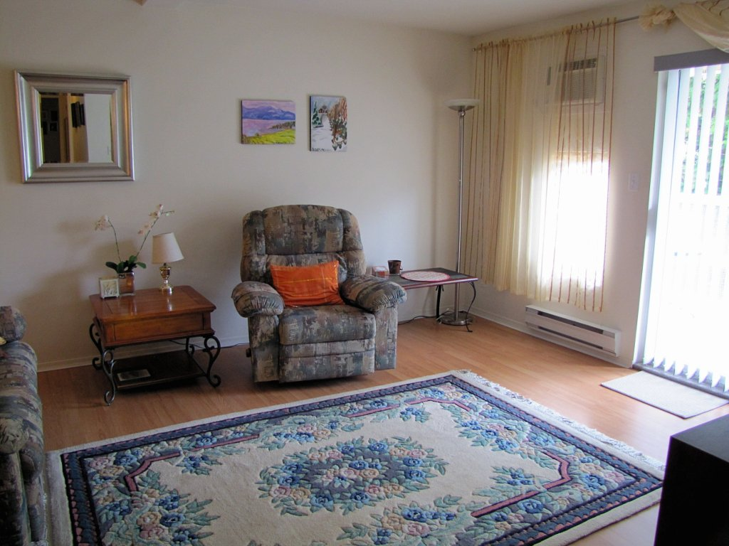 Photo 2: Photos: 106 - 202 EDMONTON AVENUE in PENTICTON: Residential Attached for sale : MLS®# 135625