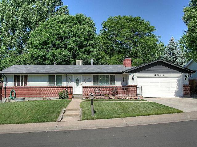 Main Photo: 2647 S Flower Street in Lakewood: House for sale : MLS®# 1036745