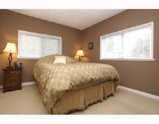 """Photo 6: Photos: 2650 CARNATION Street in North_Vancouver: Blueridge NV House for sale in """"BLUERIDGE"""" (North Vancouver)  : MLS®# V666733"""