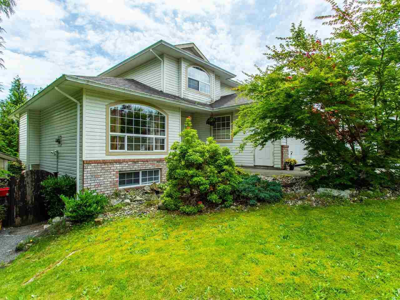 Main Photo: 8316 CASSELMAN Crescent in Mission: Mission BC House for sale : MLS®# R2473353