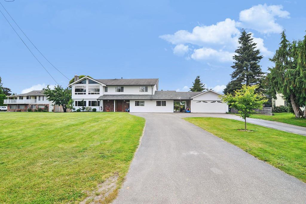 Main Photo: 24327 46A Avenue in Langley: Salmon River House for sale : MLS®# R2474008