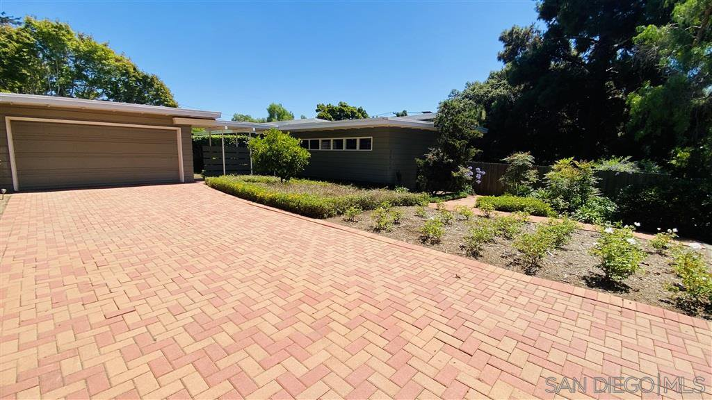 Main Photo: POINT LOMA House for rent : 4 bedrooms : 3624 Warner St in San Diego