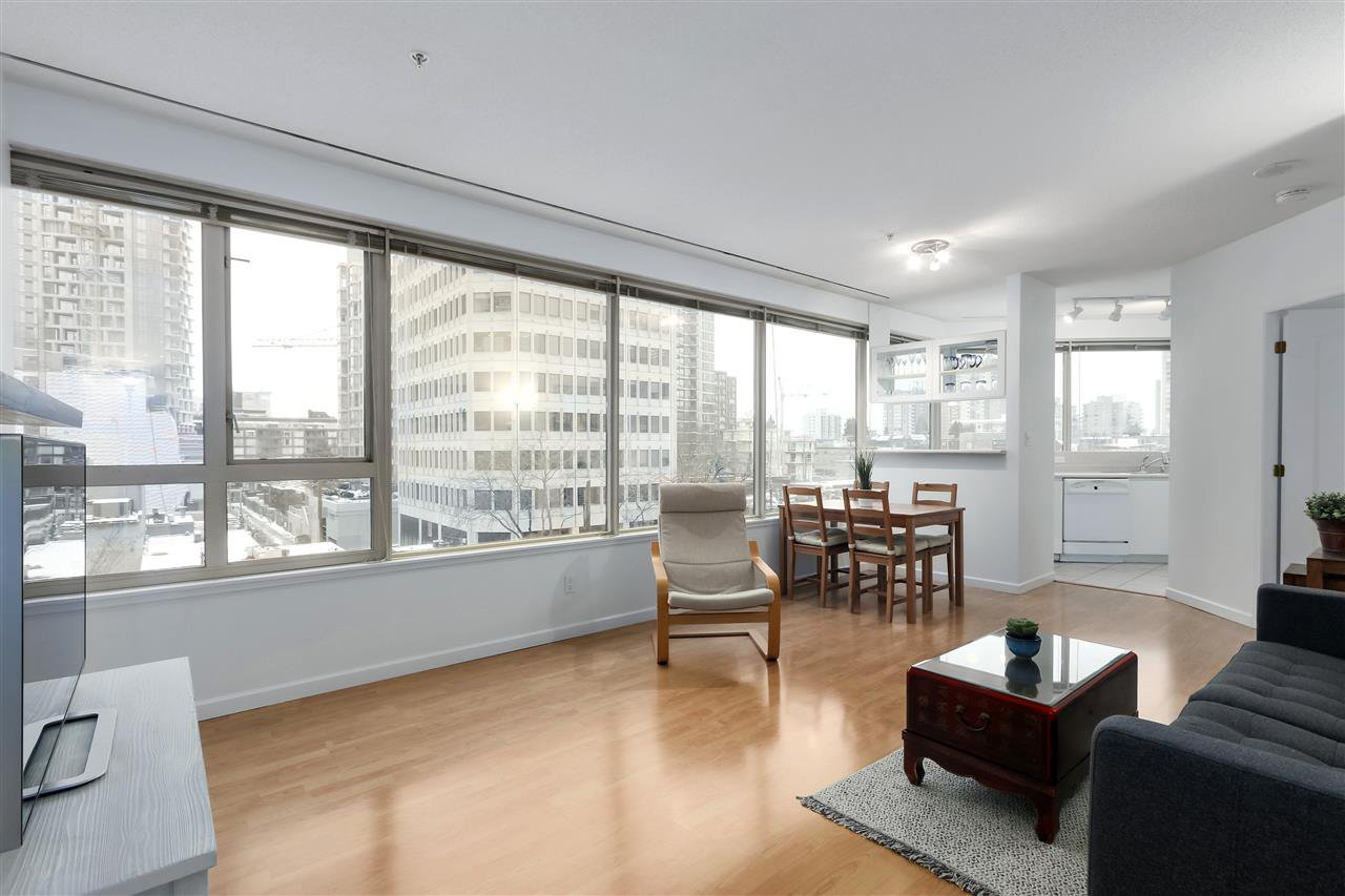 """Main Photo: 407 1177 HORNBY Street in Vancouver: Downtown VW Condo for sale in """"London Place"""" (Vancouver West)  : MLS®# R2437387"""