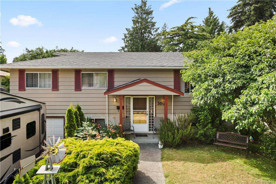 Main Photo: 3064 Jenner Rd in Colwood: Co Wishart North House for sale : MLS®# 844234