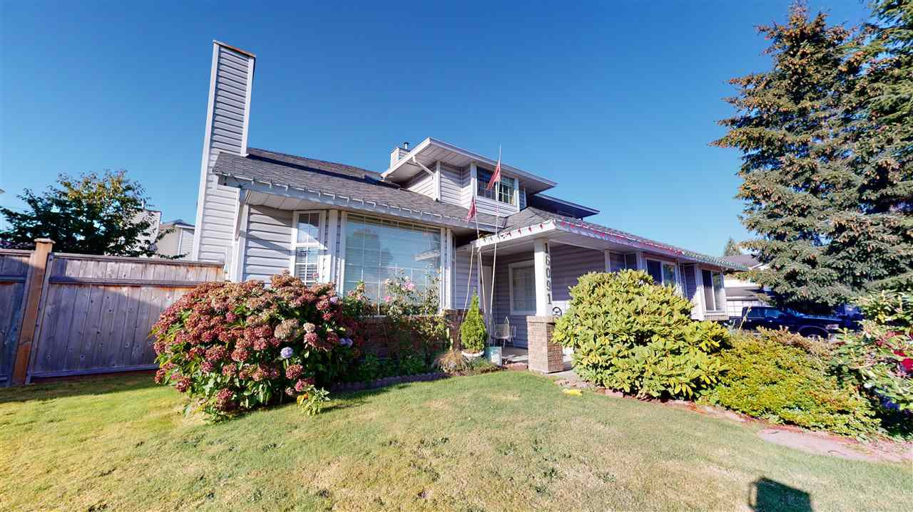 Main Photo: 16091 95A Avenue in Surrey: Fleetwood Tynehead House for sale : MLS®# R2499217