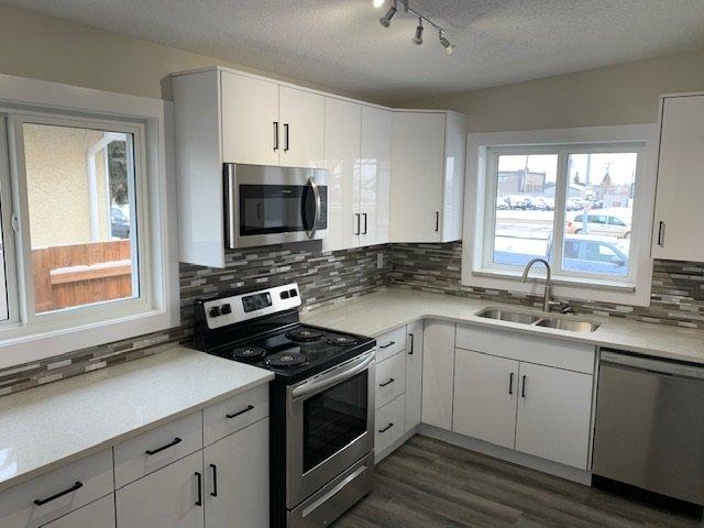 Main Photo: 9131 83 Avenue in Edmonton: Zone 18 House for sale : MLS®# E4218321