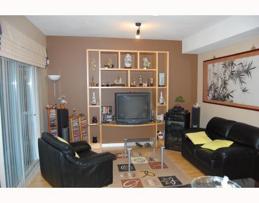 "Photo 3: Photos: 9 4811 BLAIR Drive in Richmond: West Cambie Townhouse for sale in ""ODLINWOODS"" : MLS®# V707243"