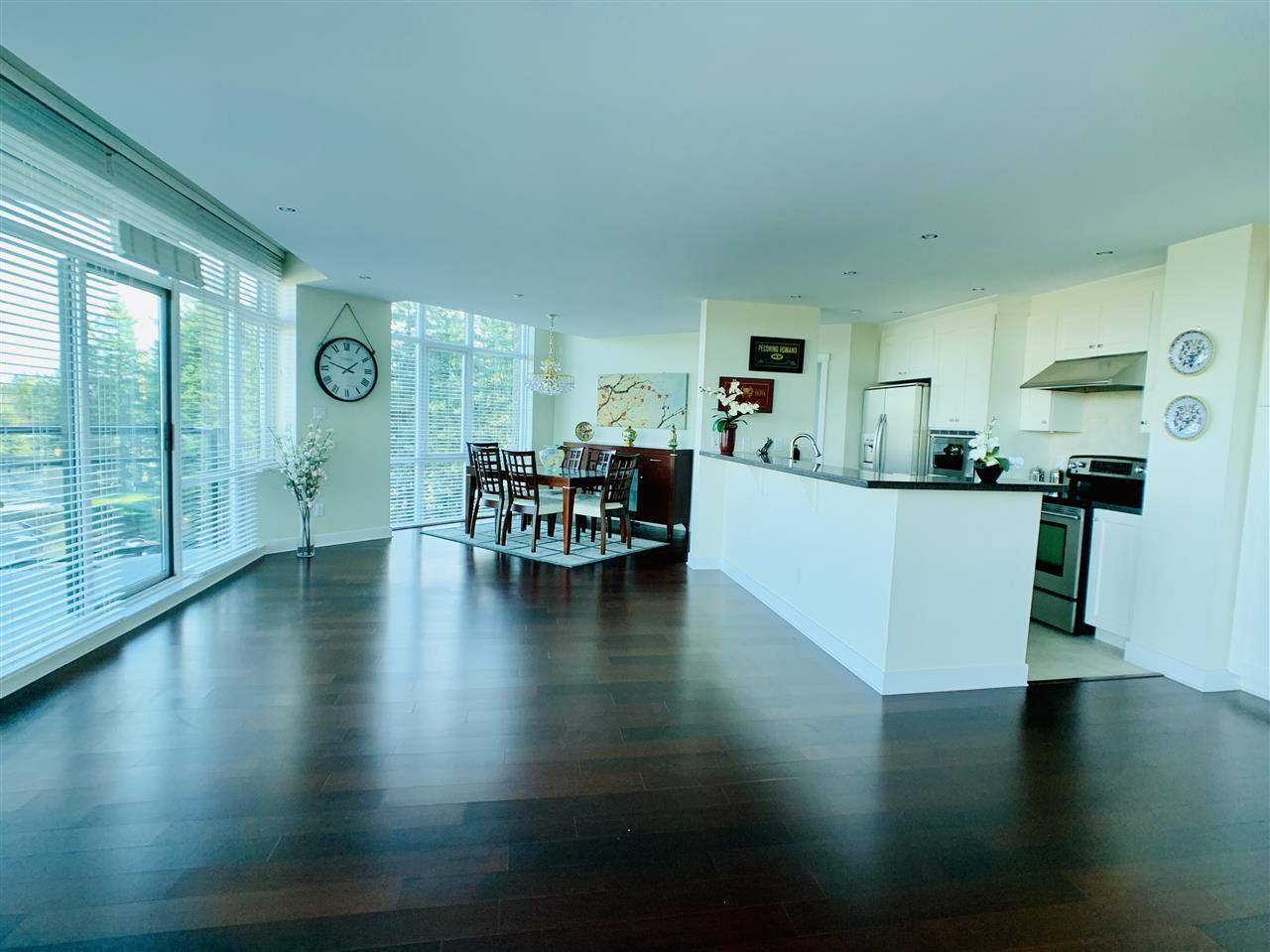 """Main Photo: 804 14824 NORTH BLUFF Road: White Rock Condo for sale in """"Belair"""" (South Surrey White Rock)  : MLS®# R2410463"""