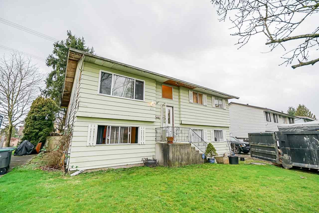 Main Photo: 6177 SUNDANCE Drive in Surrey: Clayton House for sale (Cloverdale)  : MLS®# R2436343