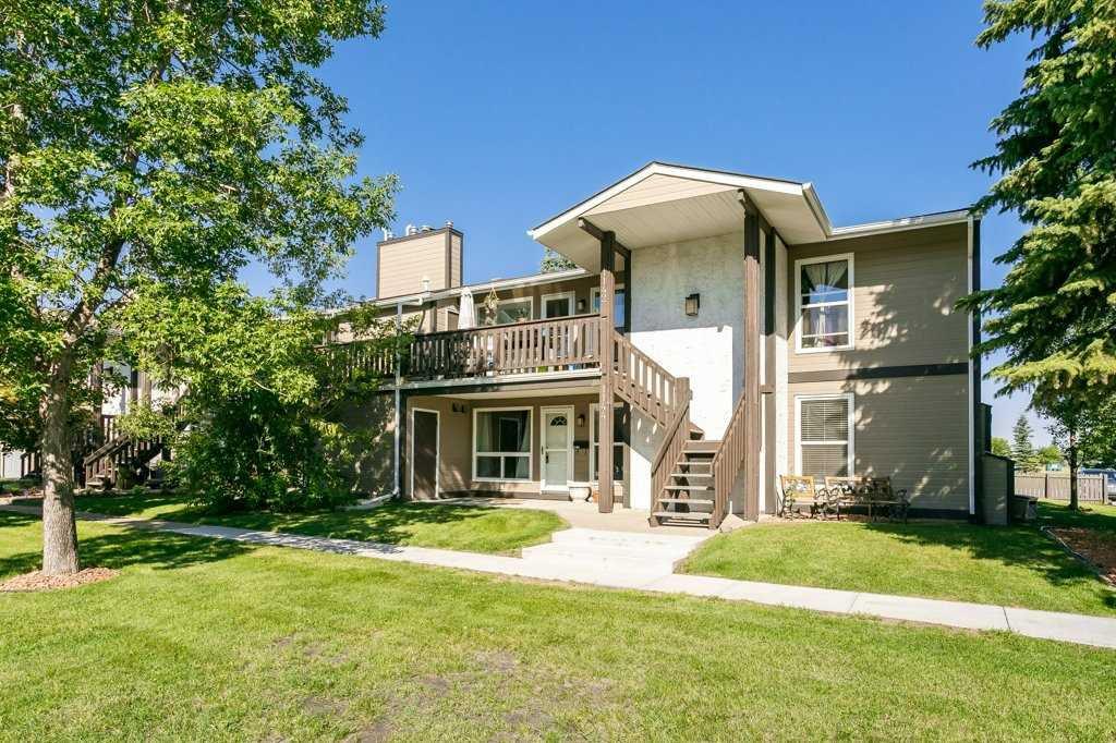 Main Photo: 1144 Saddleback Road in Edmonton: Zone 16 Carriage for sale : MLS®# E4208535