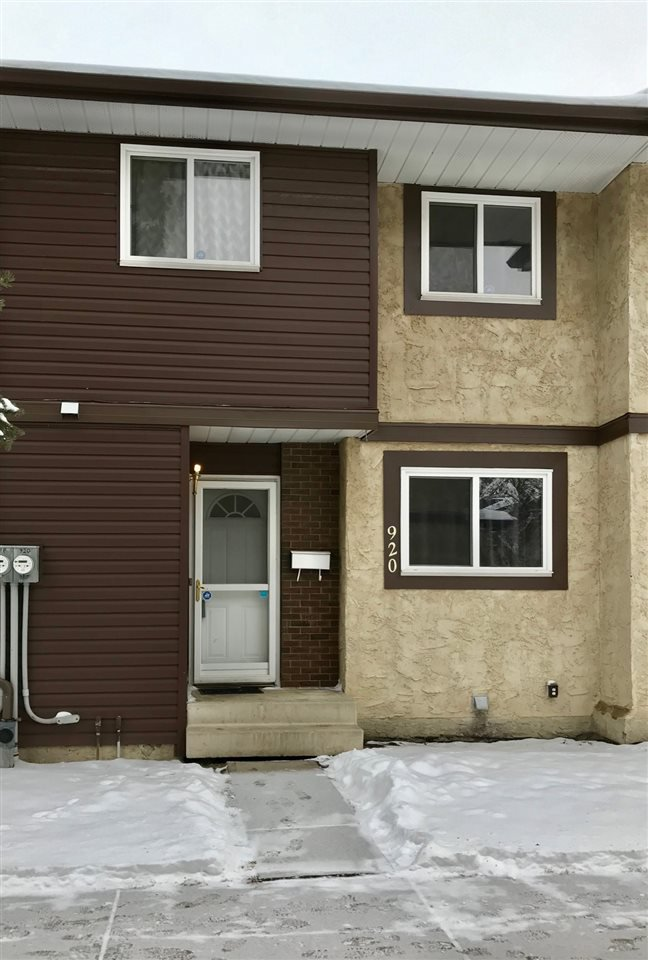 Main Photo: 920 LAKEWOOD Road N in Edmonton: Zone 29 Townhouse for sale : MLS®# E4179664