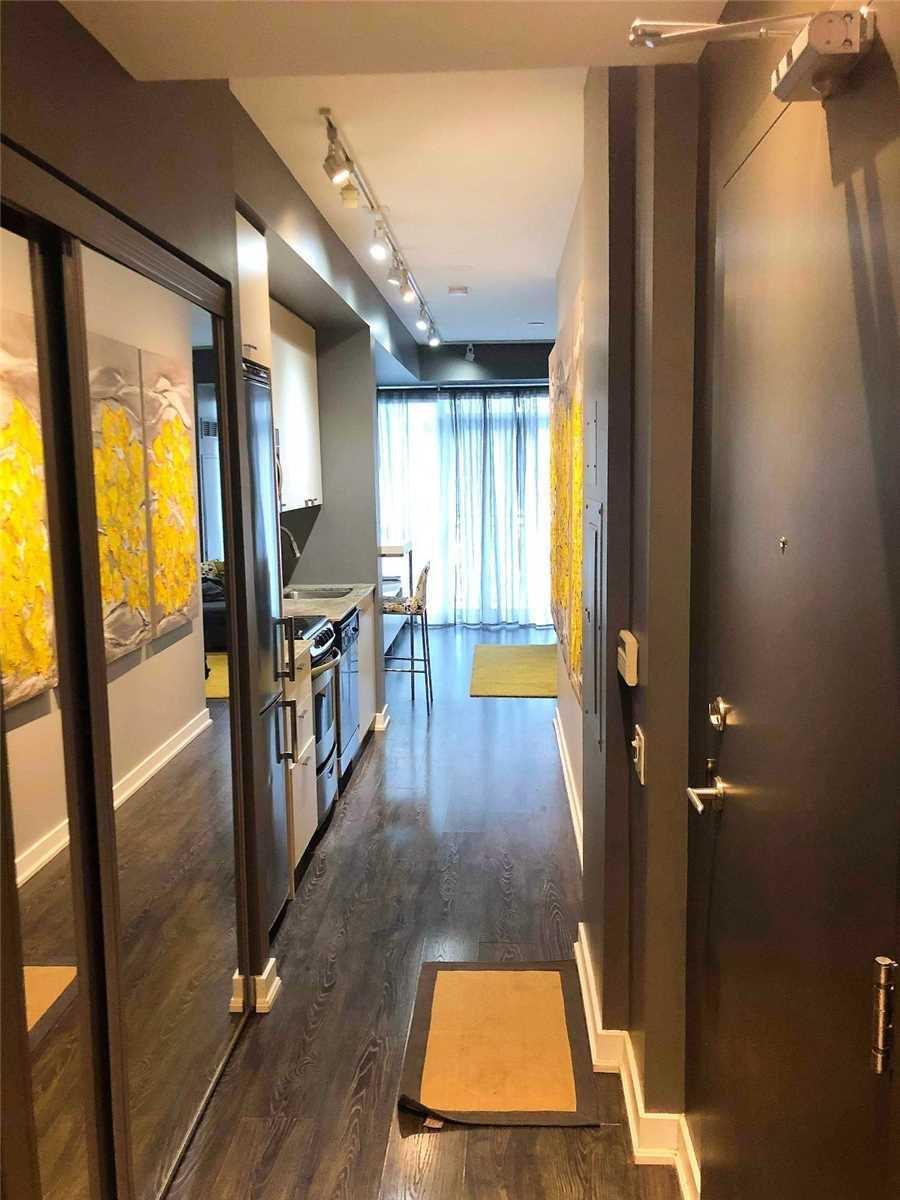 Main Photo: 607 78 Tecumseth Street in Toronto: Waterfront Communities C1 Condo for lease (Toronto C01)  : MLS®# C4706944