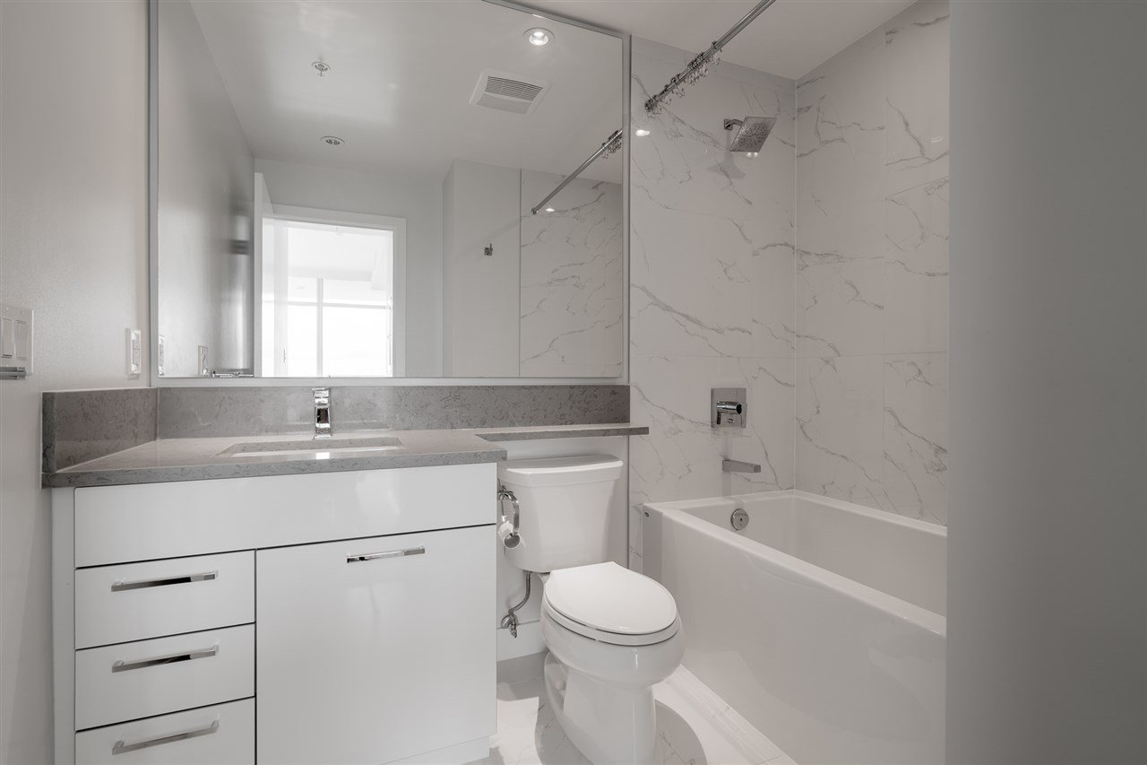 """Photo 13: Photos: 2905 1788 GILMORE Avenue in Burnaby: Brentwood Park Condo for sale in """"ESCALA"""" (Burnaby North)  : MLS®# R2464445"""