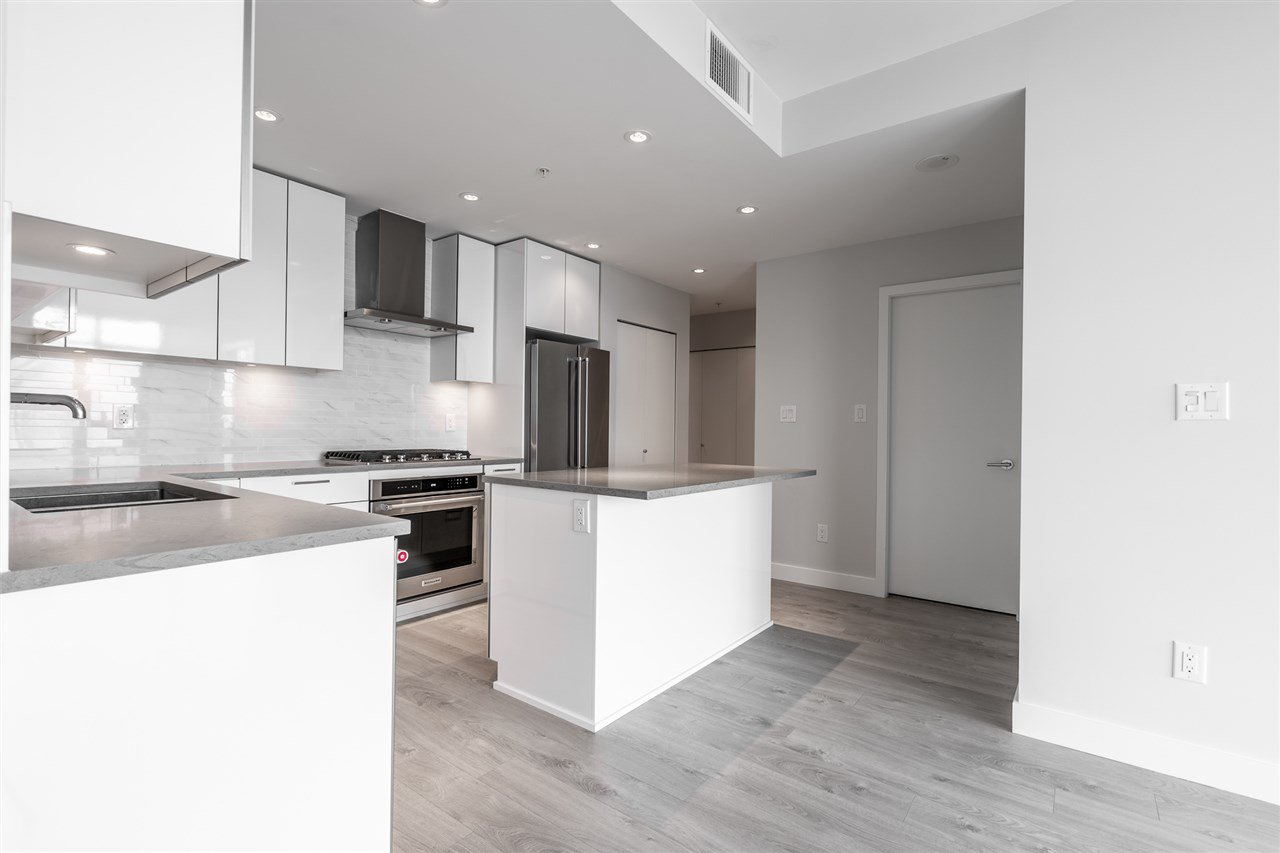 """Photo 5: Photos: 2905 1788 GILMORE Avenue in Burnaby: Brentwood Park Condo for sale in """"ESCALA"""" (Burnaby North)  : MLS®# R2464445"""