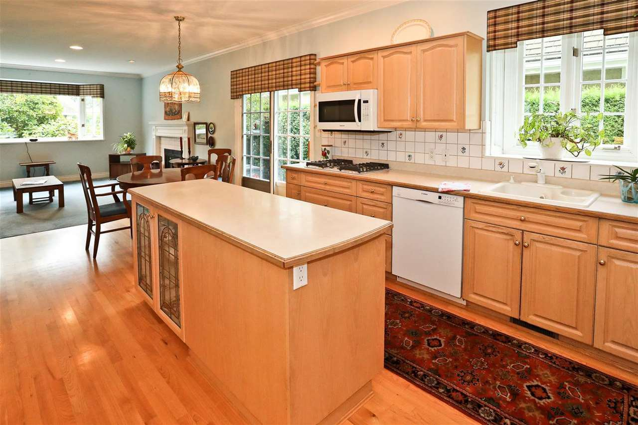"""Photo 12: Photos: 8183 TIDEWATER Place in Vancouver: Southlands House for sale in """"ANGUS LANDS"""" (Vancouver West)  : MLS®# R2499282"""