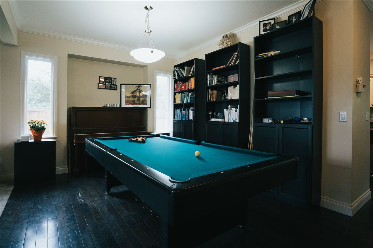 """Photo 10: Photos: 4261 TOM THOMSON Court in Abbotsford: Abbotsford East House for sale in """"Auguston"""" : MLS®# R2506755"""