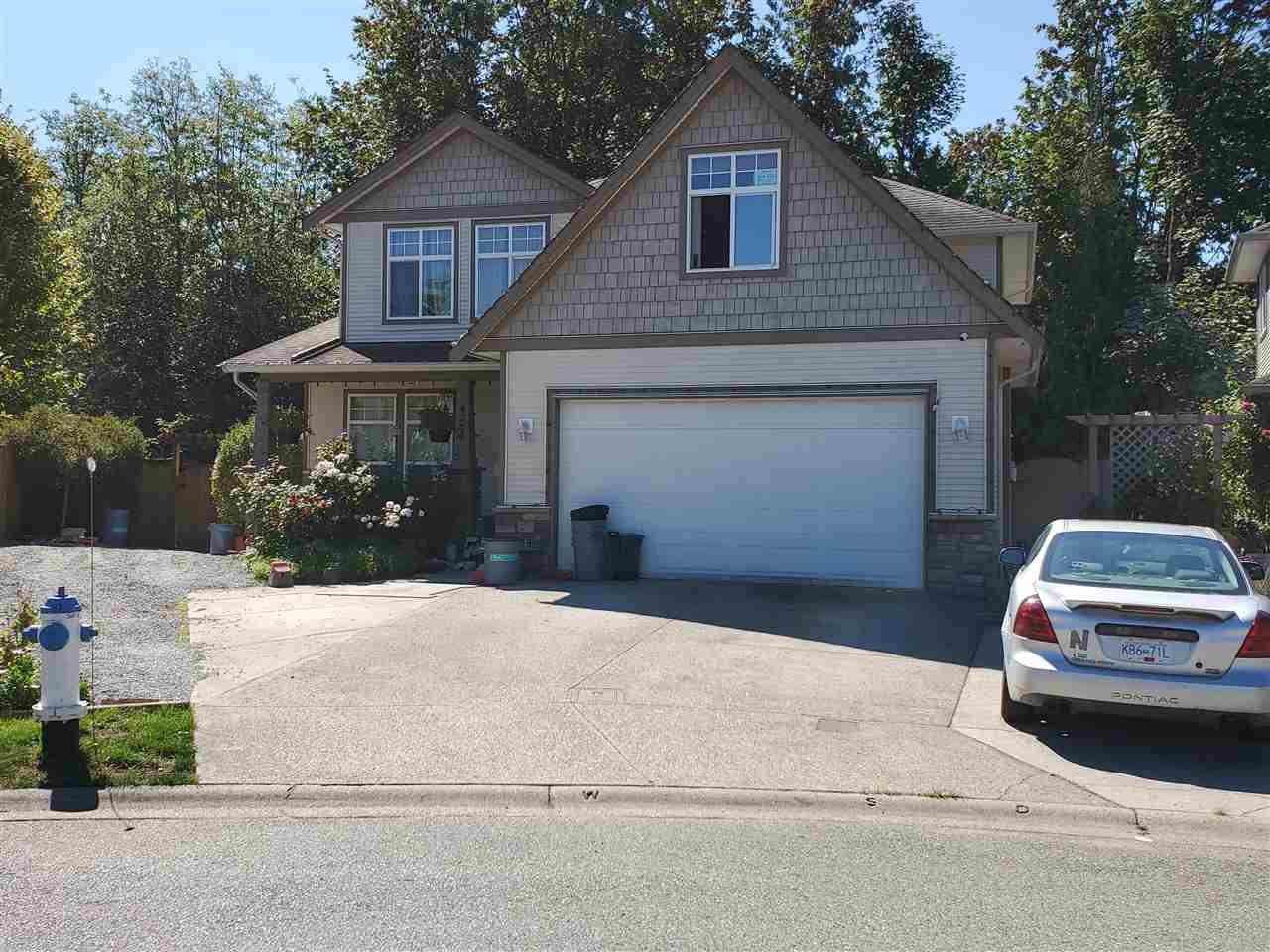 """Photo 2: Photos: 4261 TOM THOMSON Court in Abbotsford: Abbotsford East House for sale in """"Auguston"""" : MLS®# R2506755"""