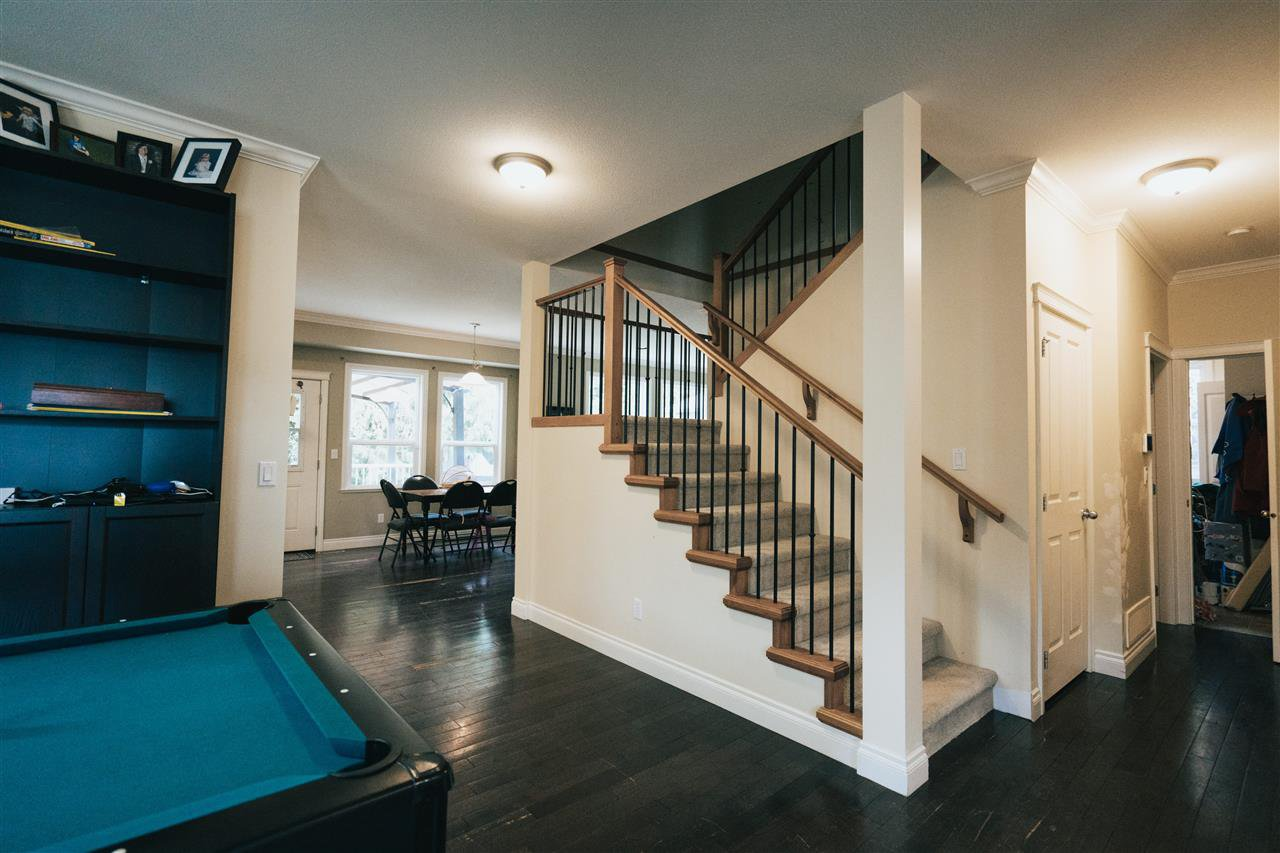 """Photo 11: Photos: 4261 TOM THOMSON Court in Abbotsford: Abbotsford East House for sale in """"Auguston"""" : MLS®# R2506755"""