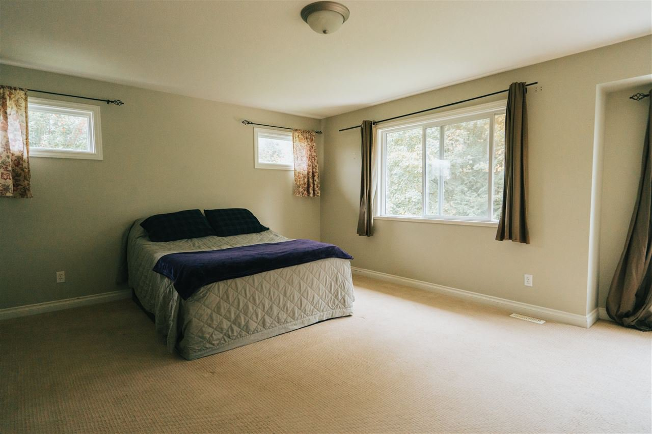 """Photo 13: Photos: 4261 TOM THOMSON Court in Abbotsford: Abbotsford East House for sale in """"Auguston"""" : MLS®# R2506755"""
