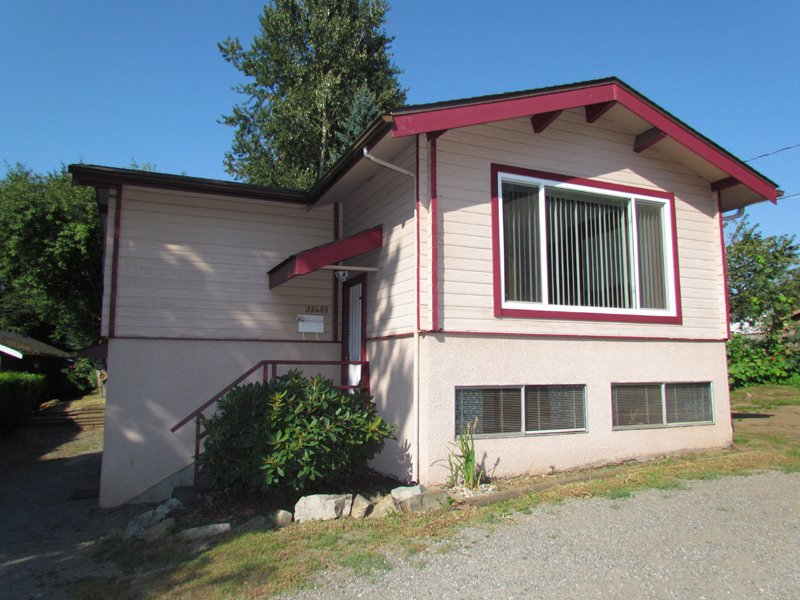 Main Photo: 33489 GEORGE FERGUSON WAY in ABBOTSFORD: Central Abbotsford House for rent (Abbotsford)
