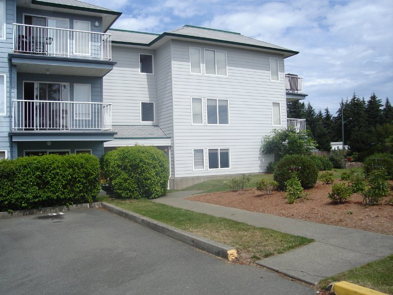 Main Photo: 698 ASPEN ROAD in COMOX: Residential Detached for sale (#105A)  : MLS®# 239723