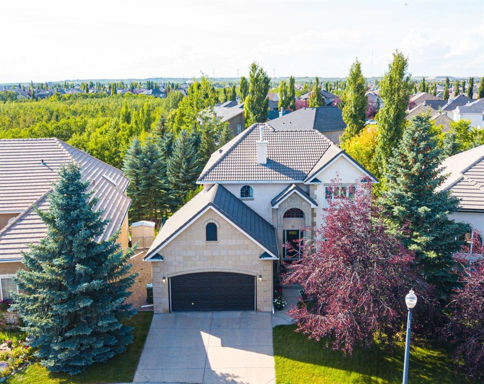 Main Photo: 71 STRATHRIDGE Garden SW in Calgary: Strathcona Park Detached for sale : MLS®# C4296560
