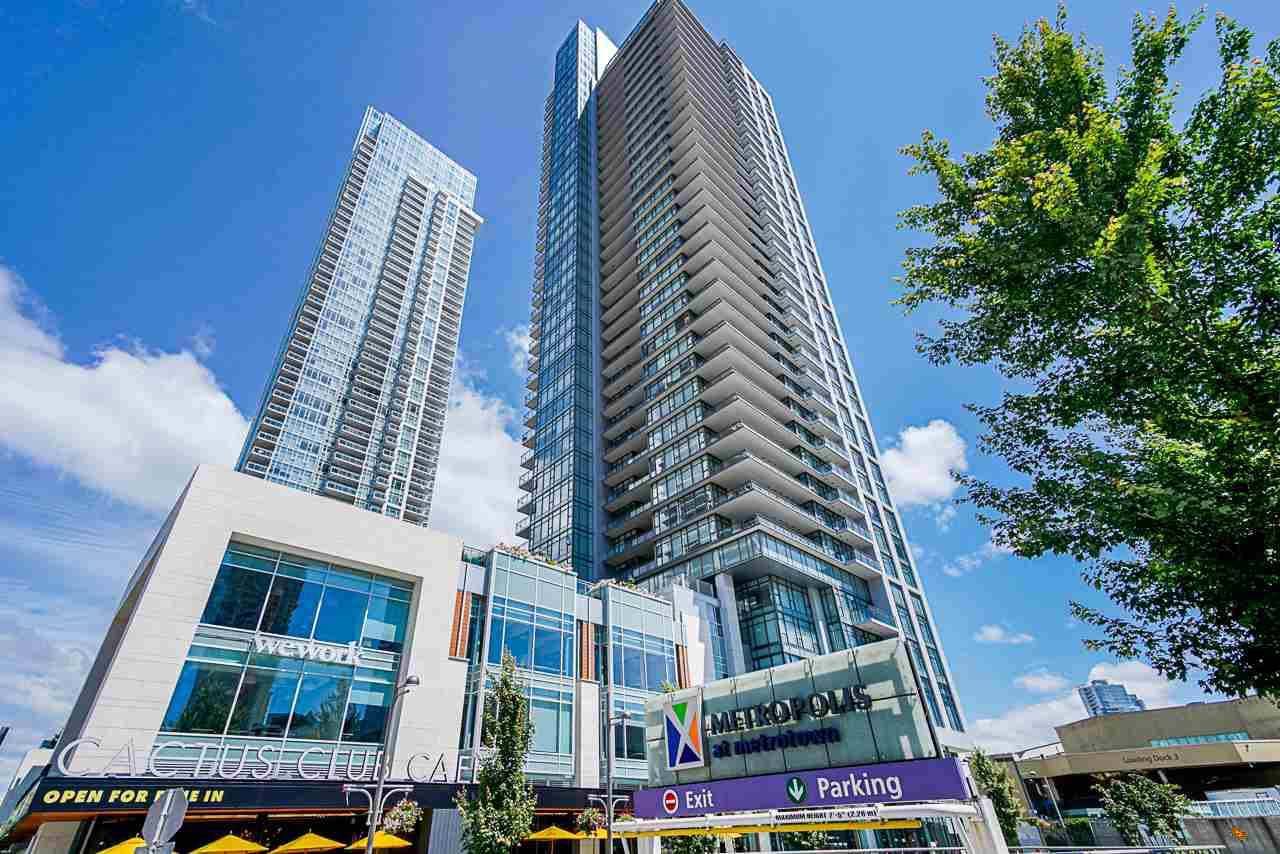 """Main Photo: 1807 6098 STATION Street in Burnaby: Metrotown Condo for sale in """"Station Square 2"""" (Burnaby South)  : MLS®# R2475417"""