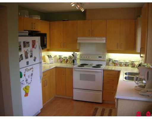 """Photo 4: Photos: 19750 64TH Ave in Langley: Willoughby Heights Condo for sale in """"THE DAVENPORT"""" : MLS®# F2706096"""