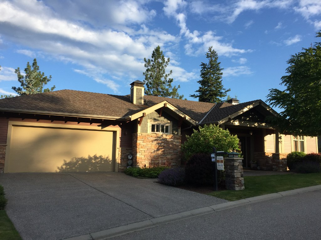 Main Photo: 208 Chicopee Road in Vernon: Predator Ridge House for sale (North Okanagan)  : MLS®# 10187149