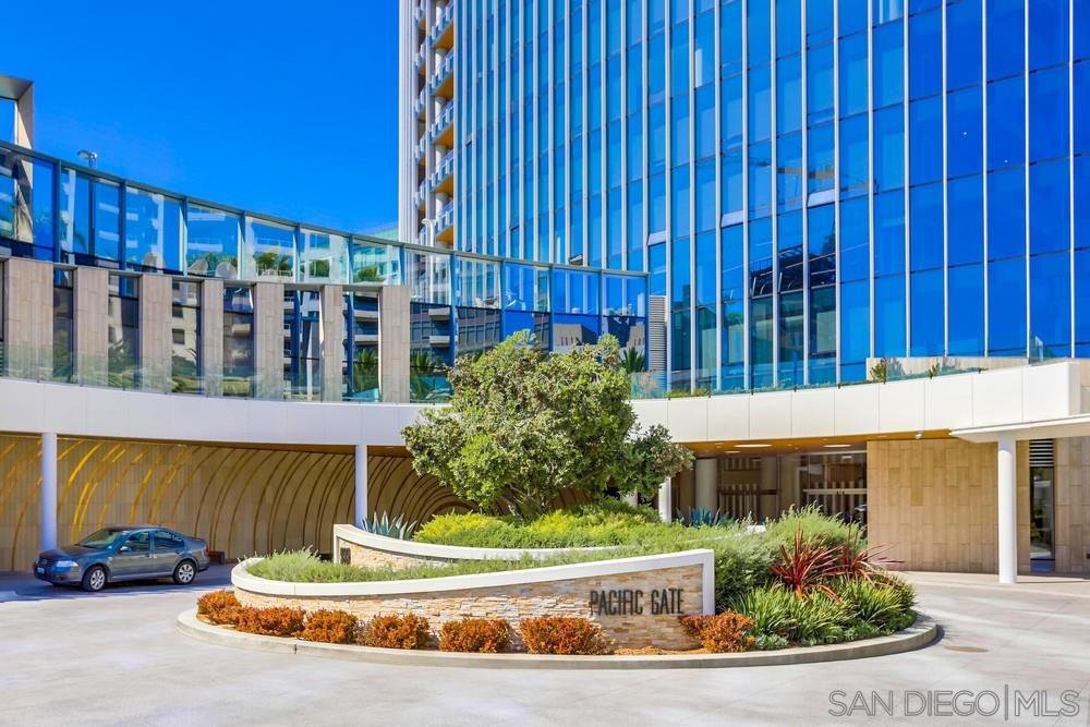 Main Photo: DOWNTOWN Condo for rent : 2 bedrooms : 888 W E St. #1706 in San Diego