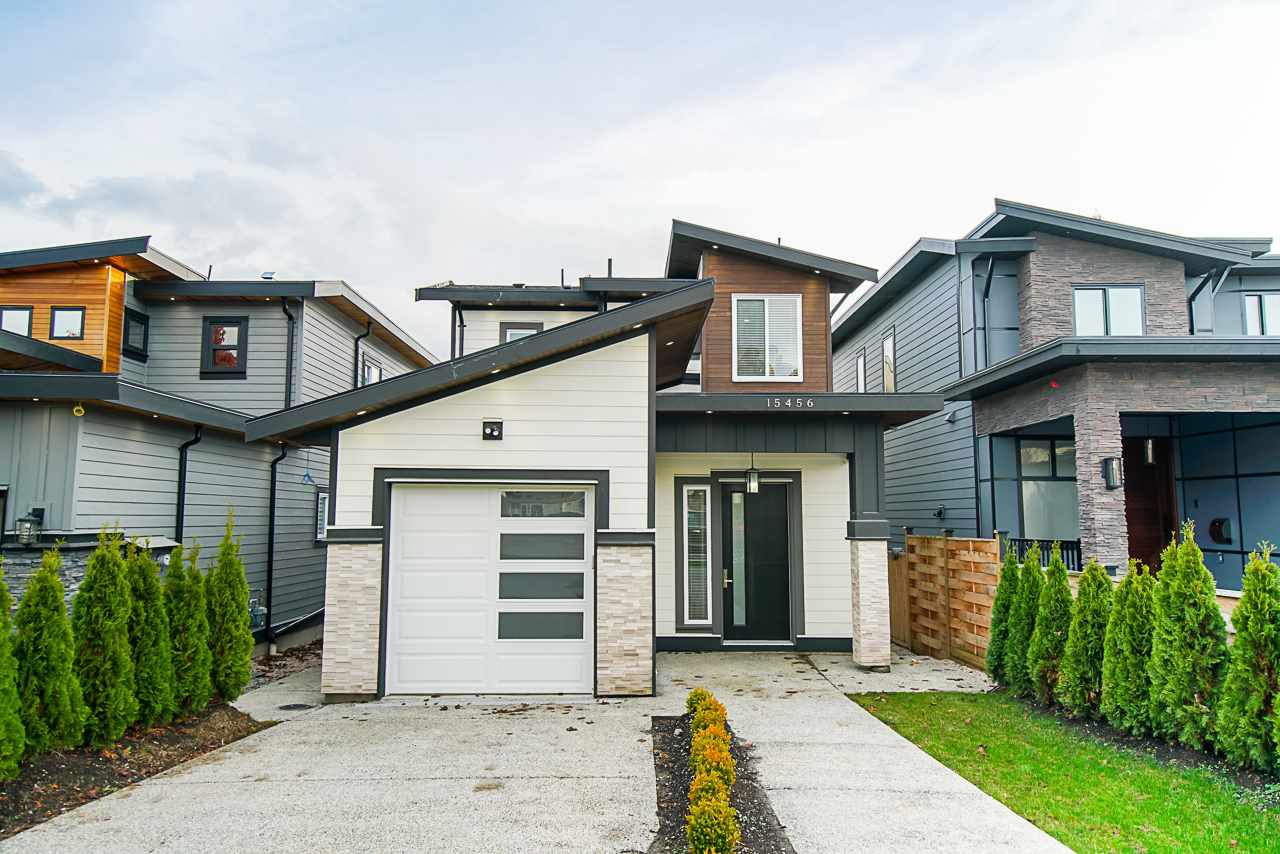 Main Photo: 15456 RUSSELL Avenue: White Rock House for sale (South Surrey White Rock)  : MLS®# R2471976