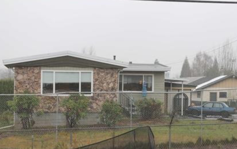Main Photo: 29858 FRASER Highway in Abbotsford: Aberdeen House for sale : MLS®# R2477913