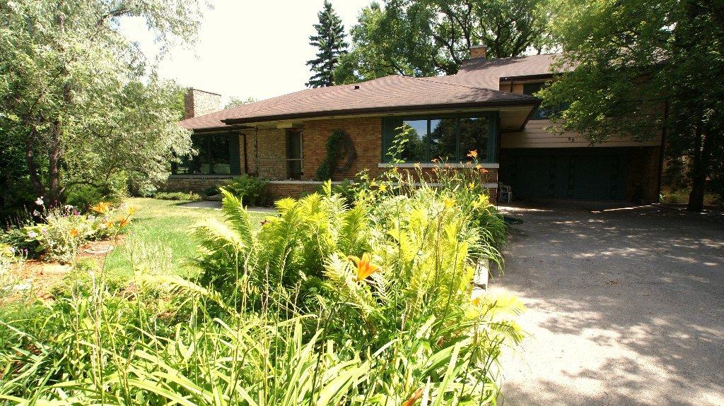 Main Photo: 88 KINGSTON Row in WINNIPEG: Residential for sale (South Winnipeg)
