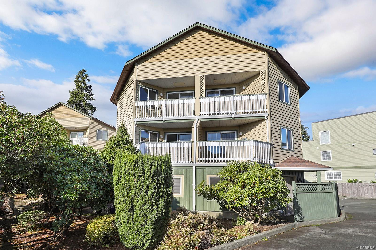 Main Photo: 6 3020 Cliffe Ave in : CV Courtenay City Row/Townhouse for sale (Comox Valley)  : MLS®# 858438