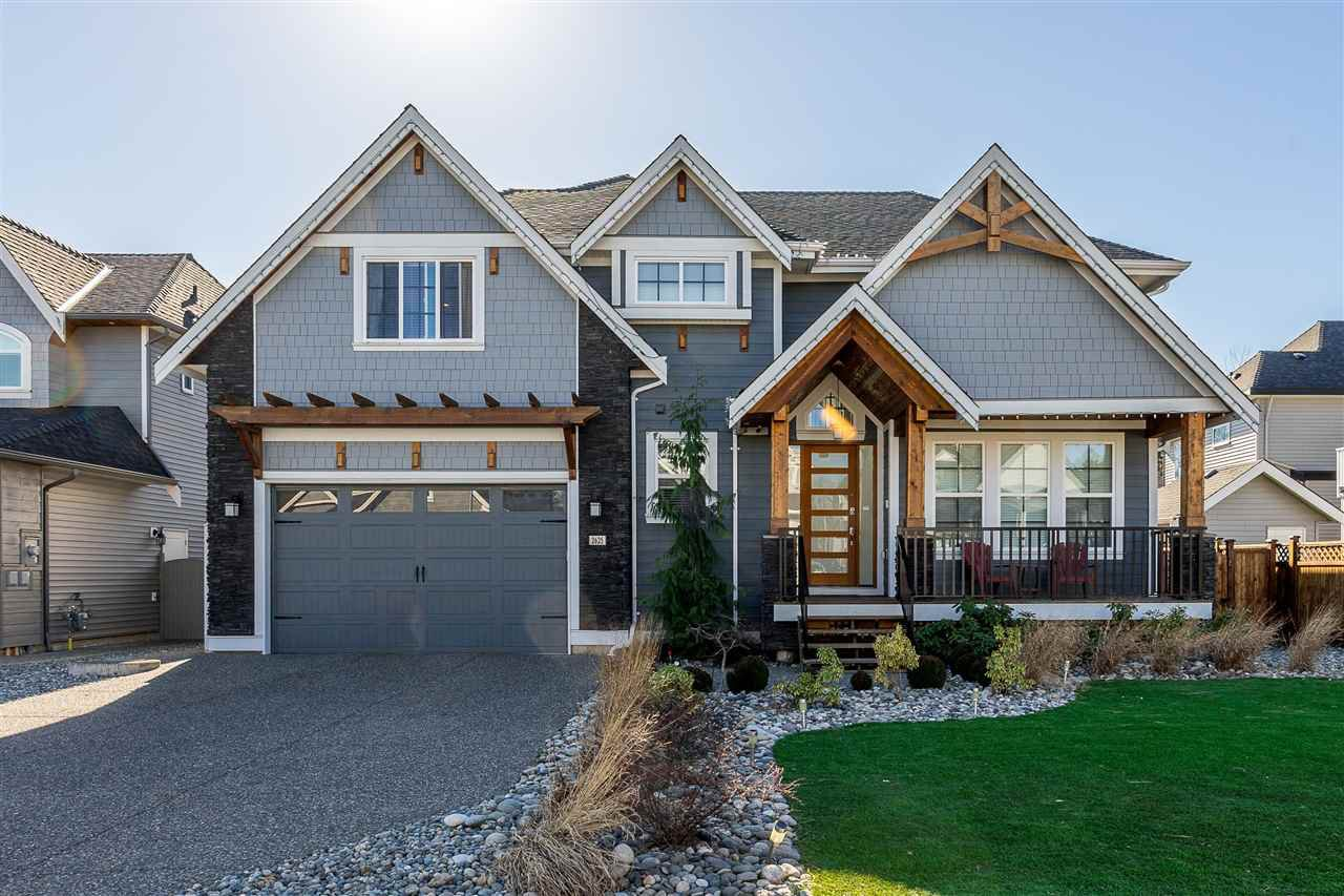 Main Photo: 2625 CABOOSE Place in Abbotsford: Aberdeen House for sale : MLS®# R2409119