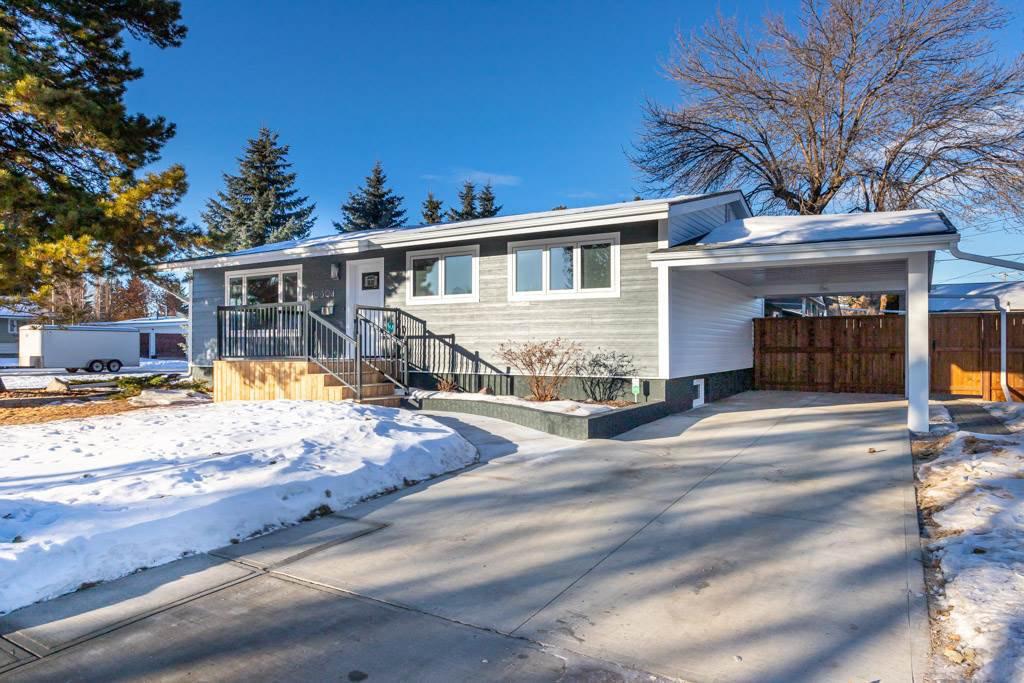 Main Photo: 10304 64 Street in Edmonton: Zone 19 House for sale : MLS®# E4224485