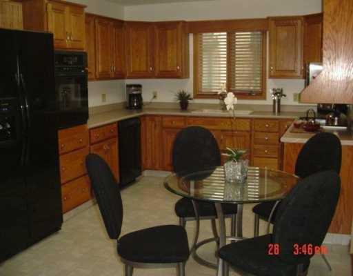 Photo 3: Photos: 22 SANDSTONE Place in WINNIPEG: Fort Garry / Whyte Ridge / St Norbert Single Family Detached for sale (South Winnipeg)  : MLS®# 2704125