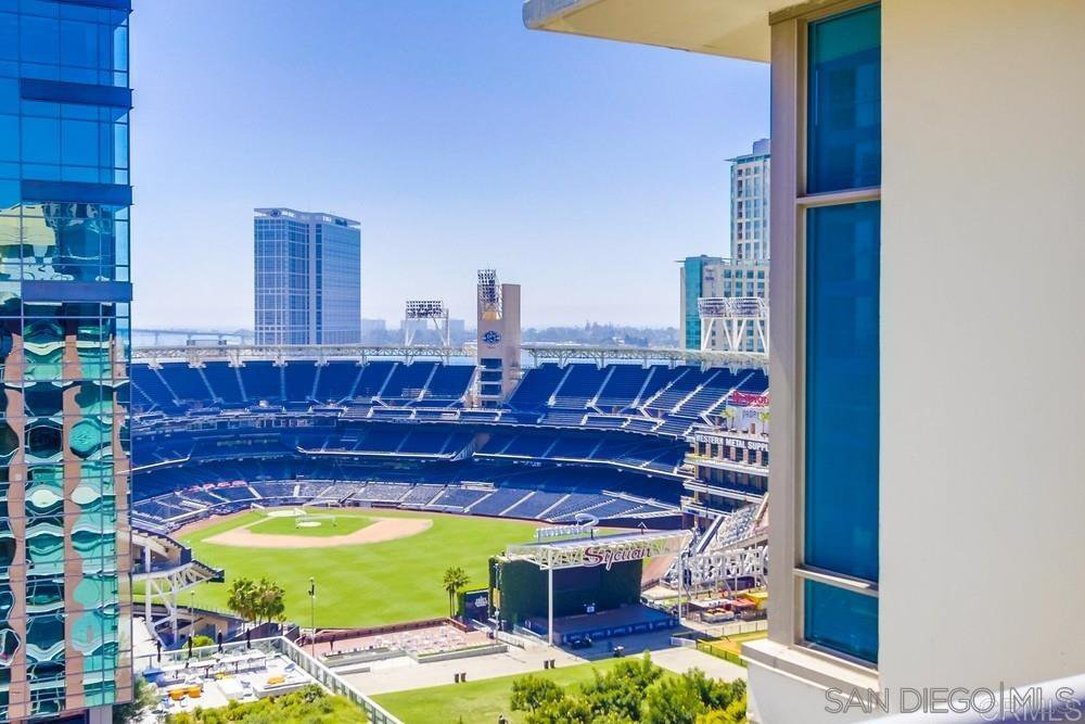 Main Photo: DOWNTOWN Condo for sale : 1 bedrooms : 427 9Th Ave #701 in San Diego