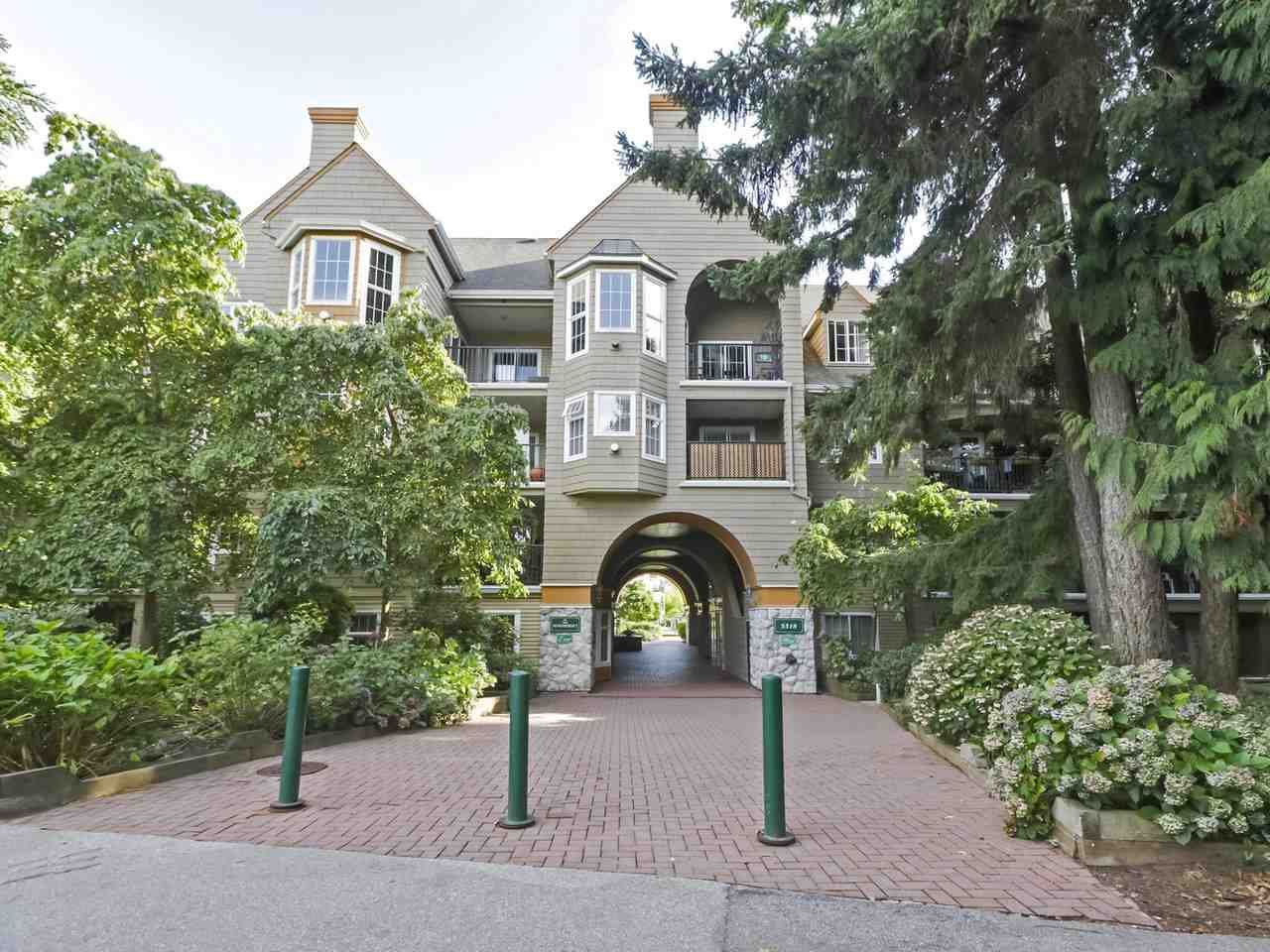 "Main Photo: 106 5518 14 Avenue in Delta: Cliff Drive Condo for sale in ""WINDSOR WOODS - SOMMERSET"" (Tsawwassen)  : MLS®# R2403999"
