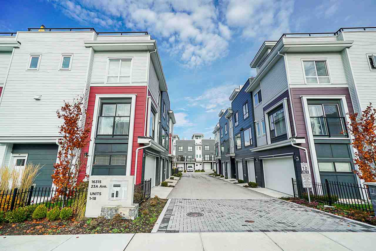 """Main Photo: 15 16315 23A Avenue in Surrey: Grandview Surrey Townhouse for sale in """"Soho"""" (South Surrey White Rock)  : MLS®# R2420250"""