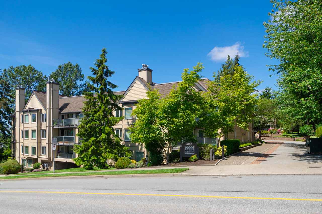 Main Photo: 217 6707 SOUTHPOINT Drive in Burnaby: South Slope Condo for sale (Burnaby South)  : MLS®# R2457751