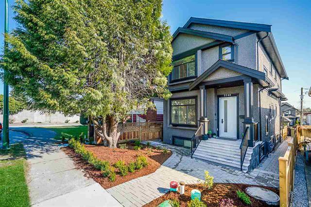 Main Photo: : House 1/2 Duplex for sale : MLS®# R2476707